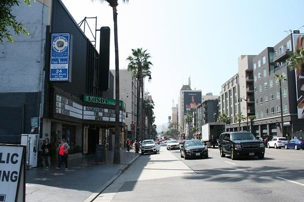 Hollywood Blvd - East to West