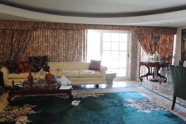 Fancy House-Party-Teen Room 6147 Shenandoah