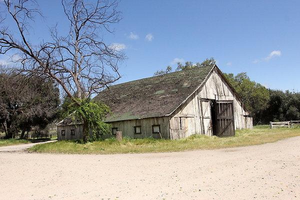 Barn-Chitilin #1 Ext 3- Motel # 3 - Greenfield Ranch