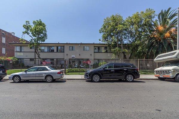 1032 S Westlake Ave. (Pico Union)