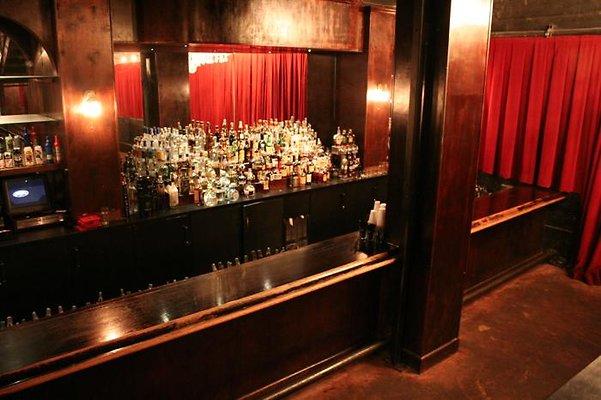 Federal Bar - Long Beach