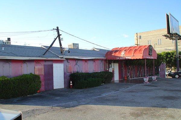 La Zona Rosa club bar boyle Heights.