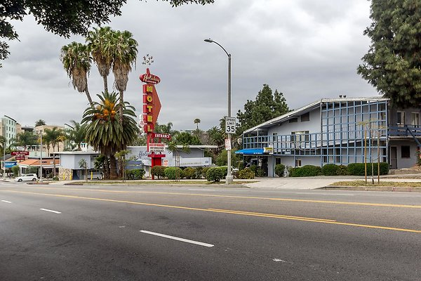 Tallahasse Motel - Holiday Lodge