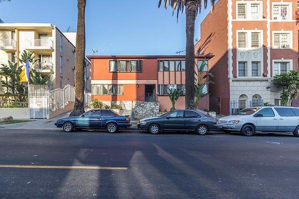 448 S Catalina St., LA 90020
